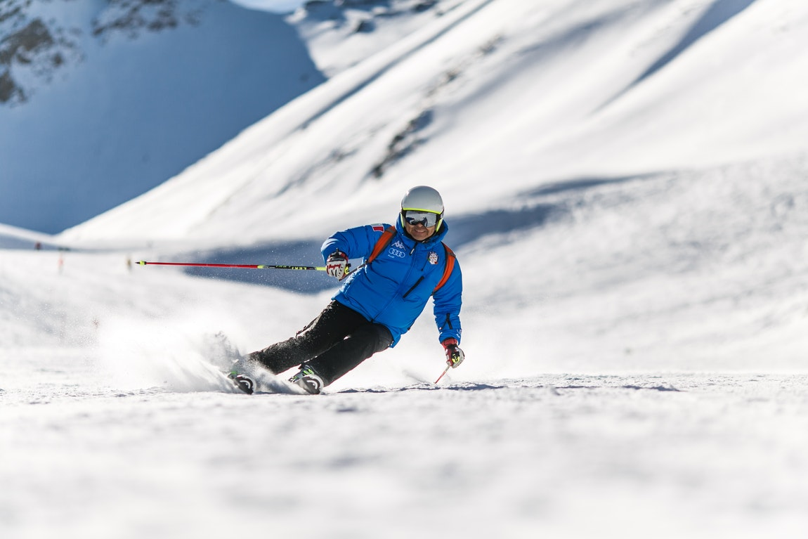 Skiing Essentials – Safety Tips For Beginners And Experts Alike
