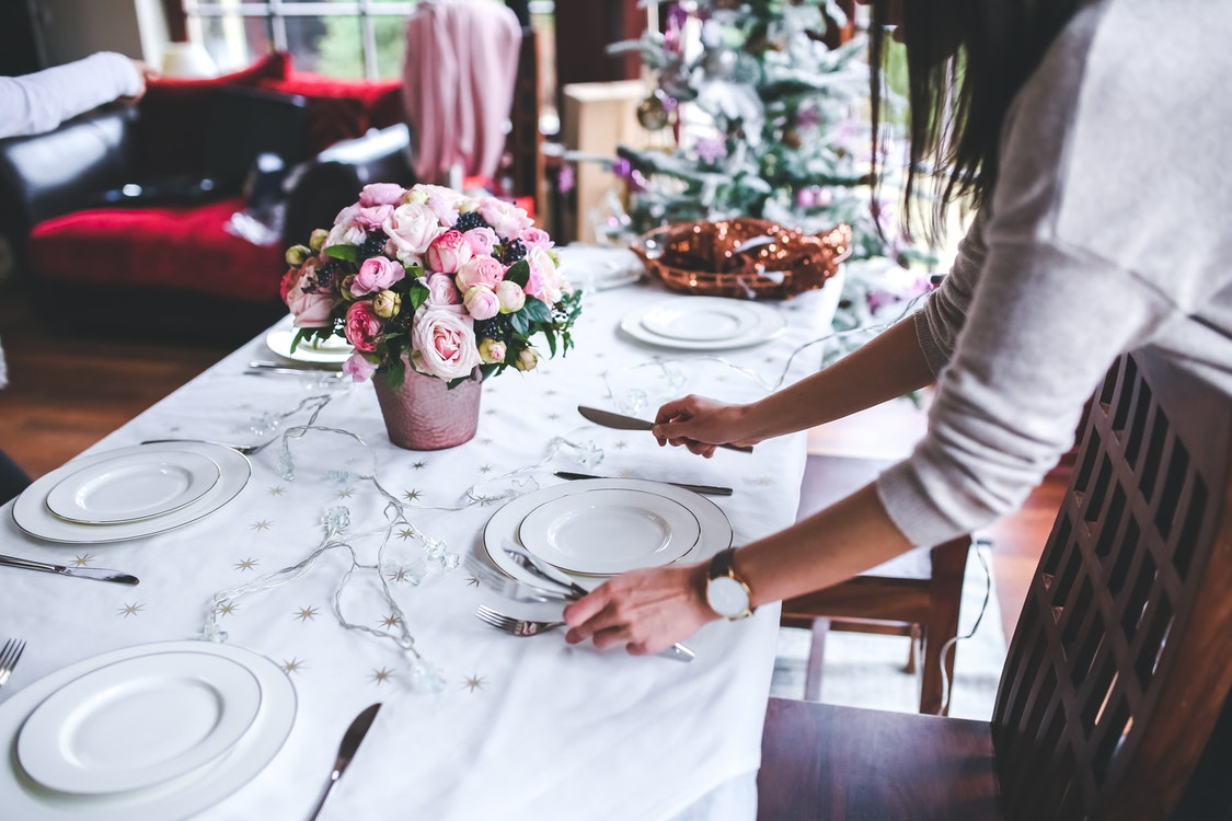 Top Advantages of Choosing to Team Up with Renowned Catering Services
