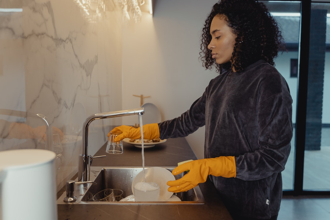 How to Choose the Right Professional Disinfection Team for Your Home