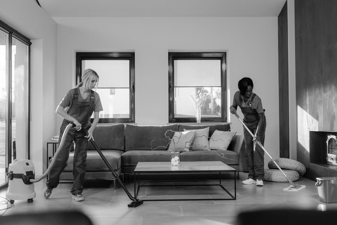 Employing a Team of Professional Cleaners for Commercial Areas – Its Importance