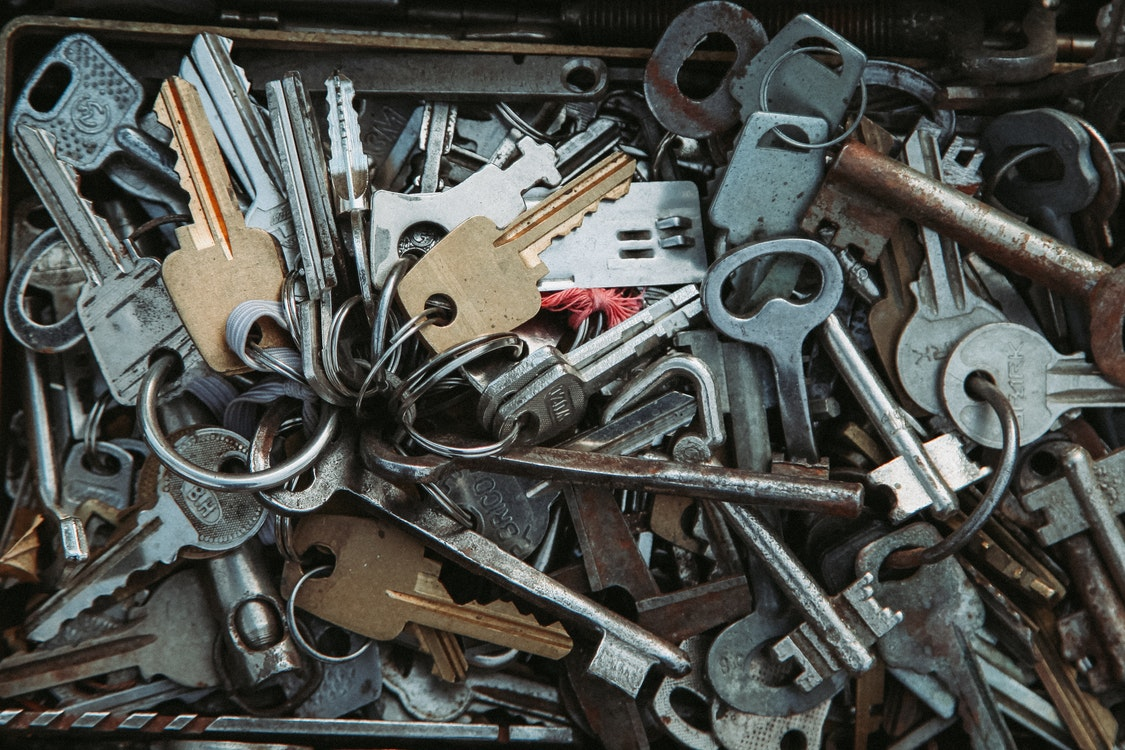 Exploring the Most Common Reasons Why People Lean on Expert Locksmith Services Today
